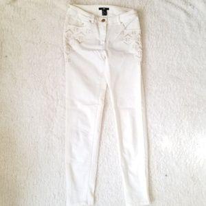 4/$25 H&M 4 Off White Denim Cropped Skinny Jeans